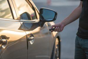 Unlocking car using electronic key