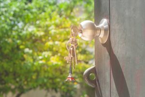 Keys hanging while inside door handle